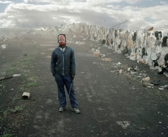 Mikhael Subotzky - Samuel (Standing), Vaalkoppies (Beaufort West Rubbish Dump), 2006